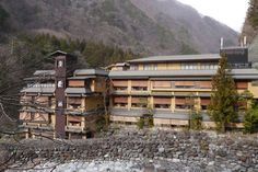 Seit 705 n. Chr. geöffnet! DAS ist das älteste Hotel der Welt