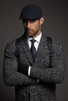 Beard men looks, mens winter hats, men winter fashion, men's fashion, fashion Sharp Dressed Man, Well Dressed Men, Mode Masculine, Look Man, Winter Hats For Men, Winter Caps, Herren Outfit, Mens Fall, Gentleman Style
