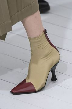 Céline at Paris Fashion Week Spring 2018 - Details Runway Photos
