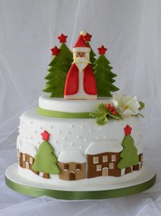 Christmas Fondant Decorations To Make Developing a lovely Christmas cake is simpler than ever with our Christmas cake decorating thoughts and smart Christmas Cake Designs, Christmas Cake Decorations, Fondant Decorations, Christmas Cupcakes, Christmas Sweets, Holiday Cakes, Noel Christmas, Christmas Goodies, Christmas Baking