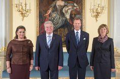 Grand Duke Henri of Luxembourg and Grand Duchess Maria-Teresa welcome President Joachim Gauck of Germany and his wife Daniela Schadt