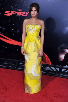 Eva Mendes wearing a Peter Som for Bill Blass Spring 2009 gown.
