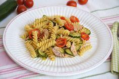 Pasta con zucchine e tonno, scopri la ricetta: http://www.misya.info/ricetta/pasta-con-zucchine-e-tonno.htm