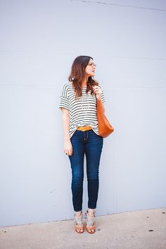loose striped shirt + skinny ankle-length jeans + big, gorgeous bag | Kendi Everyday