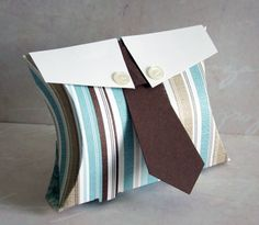 box for a guy! 3d Paper Crafts, Diy Paper, Paper Divas, Craft Bags, Pillow Box, Diy Box, Masculine Cards, Homemade Cards, Cardmaking
