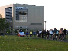 The bikeparade on its way to the Orion building, where the Opening Orion Student Party took place.
