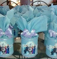 Latas Frozen Frozen Birthday Party, Frozen Party, Pringles Can, Panda, Decoupage, Diy Crafts, Halloween, Children, Alice