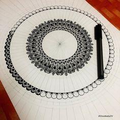"DoodlesbyDV on Instagram: ""WIP.... Progress is all we need! 👍🏻💪🏻🖤 #progress #process #passion #purpose #keepgoing #choice #makeprogressnotexcuses #zentangle…"" Mandala Doodle, Mandala Art Lesson, Mandala Dots, Mandala Drawing, Mandala Painting, Mandala Pattern, Doodle Art, Dibujos Zentangle Art, Zentangle Drawings"