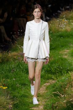 Moncler Gamme Rouge Spring 2016 Ready-to-Wear Collection