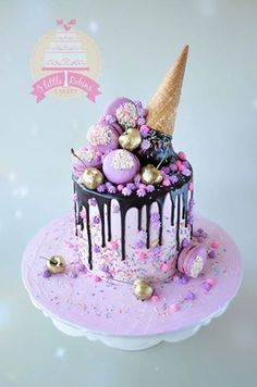 Cake with olives and feta - Clean Eating Snacks Cute Cakes, Pretty Cakes, Yummy Cakes, Candy Cakes, Cupcake Cakes, Birthday Drip Cake, Birthday Cakes, Chocolate Drip Cake, Chocolate Cone