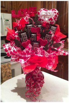 Valentines Day Baskets, Valentine Day Crafts, Valentine Decorations, Homemade Decorations, Valentine Gifts Ideas, Valentines Sweets, Decor Diy, Valentine Day Love, Thanksgiving Decorations