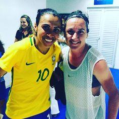Marta and Lisa De Vanna pose for a photo Fifa Women's World Cup, Play Soccer, Matilda, Amazing Women, Lisa, Football, Athletic, Poses, Mens Tops