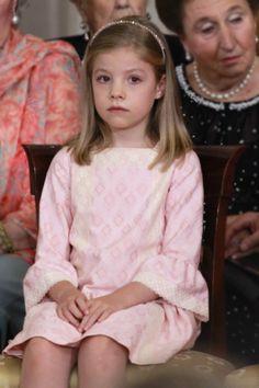 Infanta Sofia - Las infantas Leonor y Sofía participan en todas las ceremonias de sucesión en la Corona