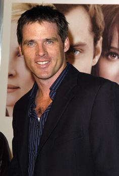 Ben Browder - just finished watching the Farscape series again, great series. Actors Male, Young Actors, Actors & Actresses, Ben Browder, Best Sci Fi Shows, Military First, Handsome Faces, Handsome Man, Falling In Love With Him