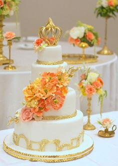 Gold Picture Frame Wedding Cake
