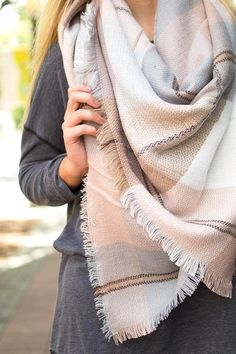This is a pretty color scheme too for a blanket not a scarf. Diy Blanket Scarf, Wool Scarf, Nude Outfits, Casual Outfits, Fashion Outfits, Ways To Wear A Scarf, Tartan Plaid, Scarf Styles, Autumn Winter Fashion