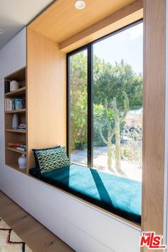 Bedroom Bed Design, Bedroom Furniture Design, Home Room Design, Interior Design Living Room, Living Room Designs, House Design, Master Bedroom, Modern Window Seat, Modern Windows