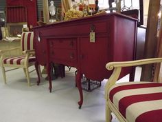Emperors Silk CHALK PAINT® with Dark Wax painted red buffet with striped red white chairs. Red Painted Furniture, Painted Chairs, Chalk Paint Furniture, Furniture Projects, Furniture Makeover, Diy Furniture, Repurposed Furniture, Vintage Furniture, Red Buffet