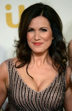 Susanna Reid what a great pair of breasts Beautiful Old Woman, Beautiful Women Over 40, Beautiful Celebrities, Curvy Celebrities, Beautiful Christina, Beautiful Females, Susanna Reid Legs, Sussana Reid, Suzanne Reid