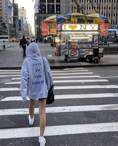 New York Life, Nyc Life, Estilo Ivy, City Vibe, City Aesthetic, Dream City, Living In New York, City Living, Looks Vintage