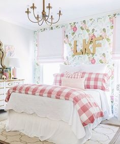 Big girl room reveal with floral wallpaper, gingham bedding and glam pink and go. Big girl room reveal with floral wallpaper, gingham bedding and glam pink and gold accessories Shabby Chic Bedrooms, Bedroom Design, Home Decor Styles, Little Girl Rooms, Bedroom Decor, Girl Room, Rooms Home Decor, Home Decor, Room Decor