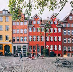 "(@beautifuldestinations) no Instagram: ""Colorful Copenhagen 🌈(📷: @wonguy974)"""