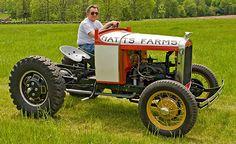 doodlebug tractor Antique Tractors, Vintage Tractors, Old Tractors, Vintage Farm, Yanmar Tractor, International Pickup Truck, Hot Rod Trucks, Pickup Trucks, Homemade Tractor