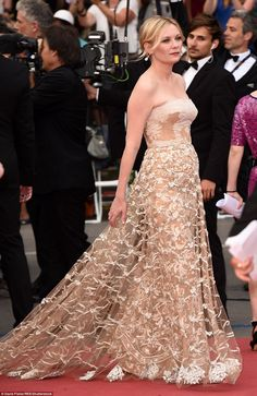 Kirsten Dunst in Valentino with #Chopard jewels attends the Closing Ceremony during the 69th annual Cannes Film Festival on May 22 2016 #Cannes2016
