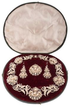 Victorian Seed Pearl Parure in Fitted Box – Cowan