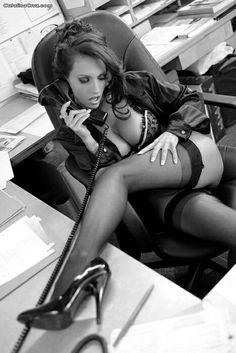 Mash Hot Lips Houlihan Nude Office Girls Wallpaper