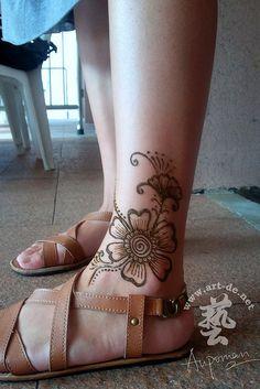 aupoman-hk-henna-tattoo-foot-8b by Aupomans Tattoo, via Flickr