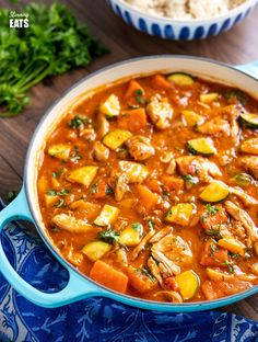 Smoked Paprika Chicken Casserole (Instant Pot, Slow Cooker or Stove Top) Slimming World Chicken Dishes, Slimming World Soup Recipes, Slow Cooker Slimming World, Slimming World Chicken Casserole, King Pro Pressure Cooker Recipes, Slow Cooker Recipes, Cooking Recipes, Vegetarian Recipes, Slow Cooker Huhn