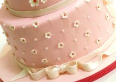 How to Create a Quilted Pattern on a Cake