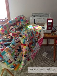 crazy mom quilts: Machine Quilting 101: Working your way around the quilt
