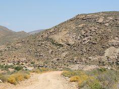 Wildeperdepas, oppad na Hondeklipbaai. My Land, Afrikaans, Road Trips, Roads, Childhood Memories, South Africa, Grand Canyon, Beautiful Places, Landscapes