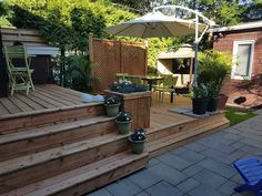 Beautiful backyard deck by Oasis Patio in Montreal, Canada Cedar Deck, Outdoor Living, Outdoor Decor, Decks, Oasis, Camo, Backyard, Montreal Canada, Beautiful