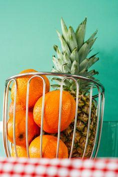 Pourquoi changer mon alimentation avec 20 days of happy food? Happy Foods, Orange, Fruit, Green, Colors, Food, Colour, Color, Paint Colors