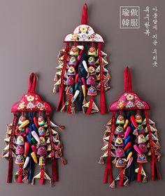 Diy Jewelry, Handmade Jewelry, Korean Painting, Korean Traditional, Knots, Tassels, Oriental, Charms, Culture