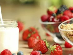 Iogurte de castanha de caju com calda de morango -  Projeto Detox - EP 1  (Foto: Divulgao/GNT)