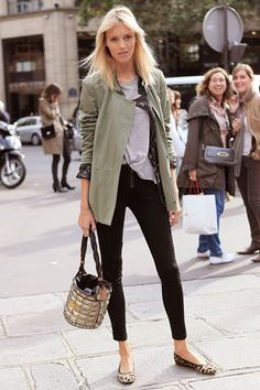 Anja Rubik at Paris Fashion Week Casual Street Style, Street Chic, Casual Chic, Mode Outfits, Fashion Outfits, Womens Fashion, Fashion Trends, Looks Style, Style Me