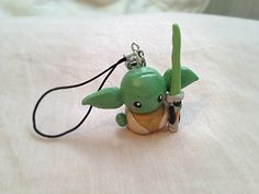 Handmade Polymer Clay Yoda Cell Phone Strap by TheDorkerie on Etsy Polymer Clay Disney, Fimo Clay, Polymer Clay Projects, Polymer Clay Charms, Polymer Clay Creations, Polymer Clay Art, Handmade Polymer Clay, Polymer Clay Jewelry, Clay Crafts