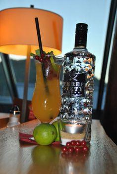 Bullen & Bären Bar: #Cocktail des Monats Oktober: The White Basil #vodka #passionfruit #whitechocolate #basil