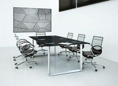 La línea Centuria combina elegancia y modernidad, lo cual brinda al espacio un estilo único en el diseño de oficinas. #Mober
