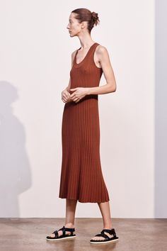 See the complete Elizabeth and James Pre-Fall 2017 collection.