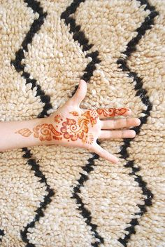 I kind of think a tattoo like this would be awesome. Perhaps I should start with the henna version first.