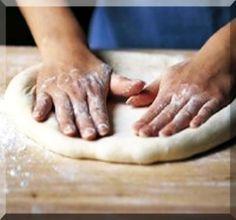 ΖΥΜΗ ΠΙΤΣΑΣ - Σχεδόν αδύνατον να αποτύχει και είσαι σίγουρος/η για το τι τρως - www.tsoukali.gr  ΕΛΛΗΝΙΚΕΣ ΣΥΝΤΑΓΕΣ ΑΡΘΡΑ ΜΑΓΕΙΡΙΚΗΣ Fish Recipes, My Recipes, Cooking Recipes, Healthy Recipes, Healthy Food, Calzone, Pizza Dough, Food Styling, Snacks