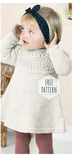 Girls Knitted Dress, Knit Baby Dress, Knitted Baby Clothes, Girls Sweater Dress, Kids Knitting Patterns, Knitting For Kids, Free Knitting, Knitting Projects, Simple Knitting