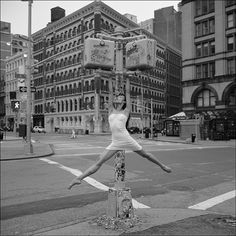 Photographer records the lightness of the dancers in the urban scene in NY By: Dane Shitagi.