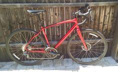 ¿Ya conoces la nueva Specialized Diverge 2018? Nuestra bicicleta Gravel lleva a otro nivel la aventura de ruta. Cuando el asfalto se acaba no terminará tu camino.  La Specialized Diverge contiene un neumático 700x32C ideal para la comodidad en la ruta y no detenerte cuando el camino termina.  ¿Quieres saber más?  Visítanos en @maqbike_store San Diego 852, Santiago.