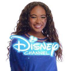 Chandler Kinney, Meg Donnelly, Zombie Disney, Baby Ariel, Zombie Movies, Team Pictures, Disney Stars, Disney Movies, Actors